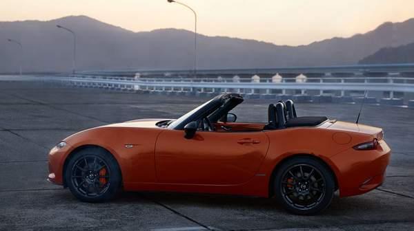 Mazda-MX-5-30-Jahre-Sondermodell-fotoshowBigWide-85ba4718-1423170