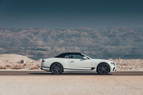 Bentley Continental GT Convertible 14