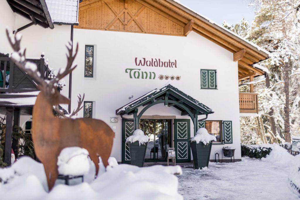 hoteleingang_im_winter_hotel_tann