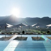 Lovely Moments am Skypool mit Meran-Blick