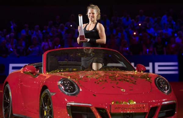 high_laura_siegemund_porsche_team_germany_porsche_tennis_grand_prix_final_stuttgart_2017_porsche_ag(1)