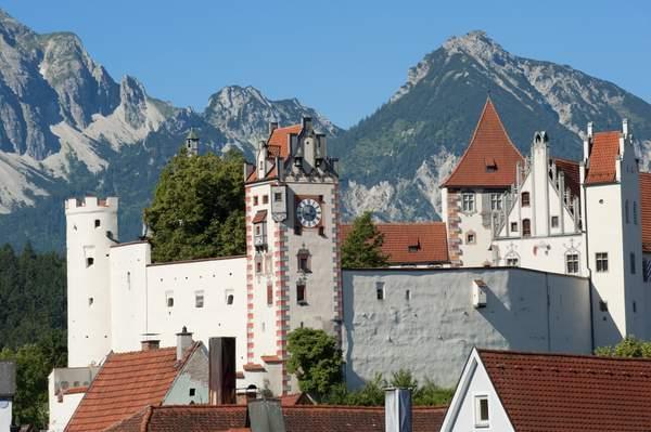 Füssen im Allgäu: Das Hohe Schloss - Wahrzeichen der Stadt