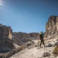 St. Kassian/Alta Badia:  Alpiner Chic vor Traum-Bergkulisse