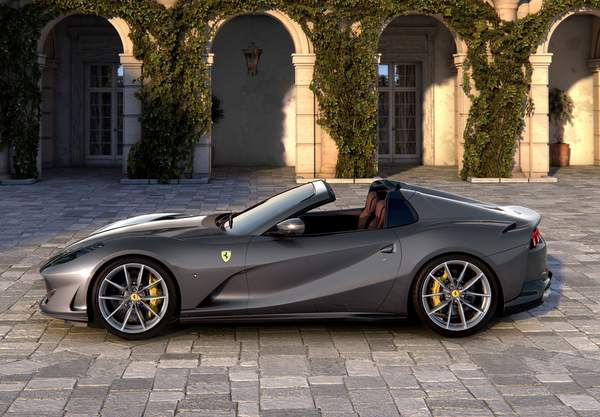 Ferrari 812 GTS.