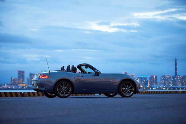2019_MX-5_IPM3_Softtop_GER_LHD_C08_Ext_Side