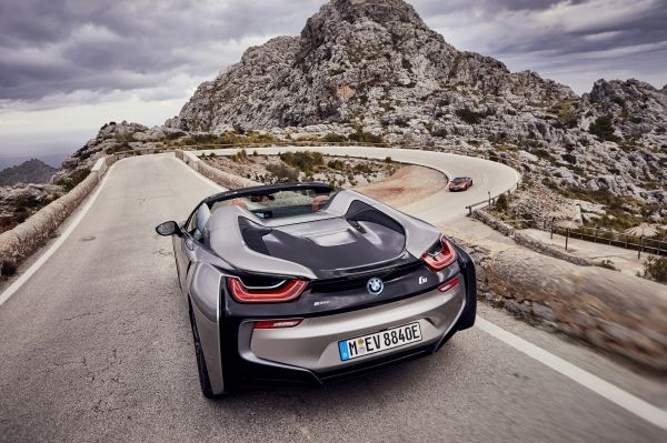 P90301798_lowRes_bmw-i8-roadster-04-2