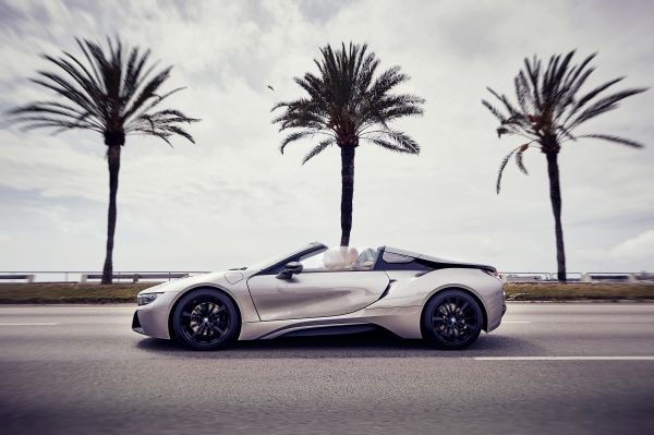 P90301800_lowRes_bmw-i8-roadster-04-2