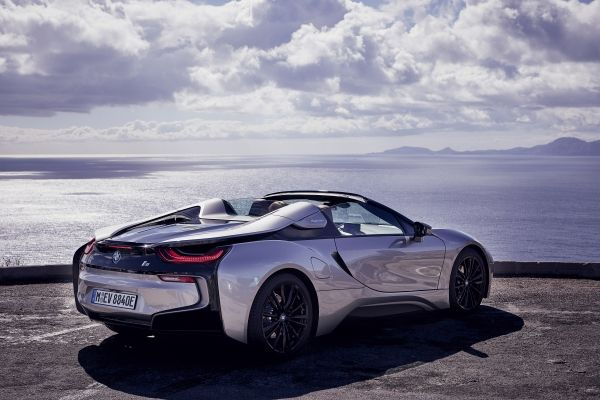 P90301811_lowRes_bmw-i8-roadster-04-2