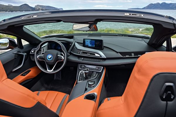 P90301839_lowRes_bmw-i8-roadster-04-2