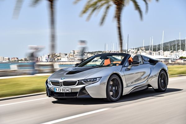 P90301858_lowRes_bmw-i8-roadster-04-2