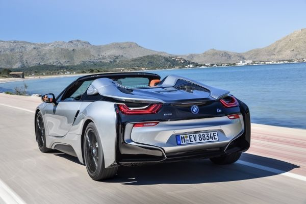 P90301861_lowRes_bmw-i8-roadster-04-2