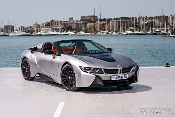 P90301866_lowRes_bmw-i8-roadster-04-2