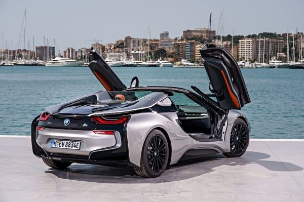 P90301869_lowRes_bmw-i8-roadster-04-2