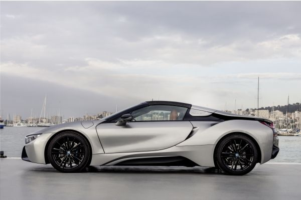 P90301872_lowRes_bmw-i8-roadster-04-2