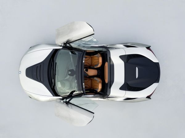 P90301904_lowRes_bmw-i8-roadster-04-2