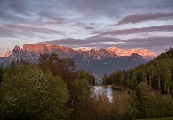 Ritten_Lichtenstern_Sonnenuntergang_©Tourismusverein_Ritten_Foto_Achim_Meurer