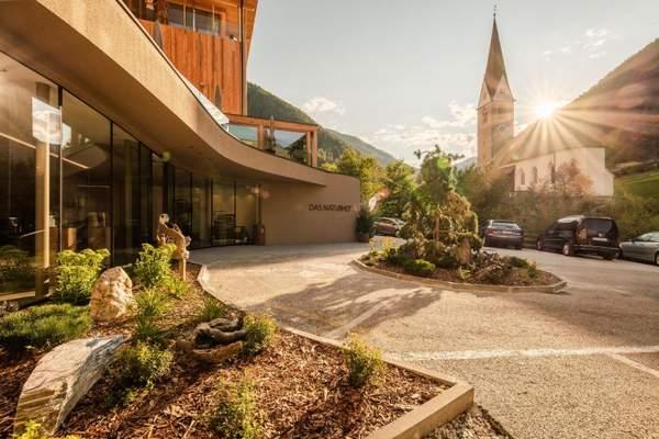 zufahrt_des_naturhotels_rainer_naturhotel_rainer